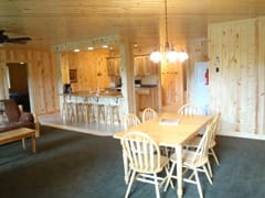 pine-Terrace-Cabin-interior2